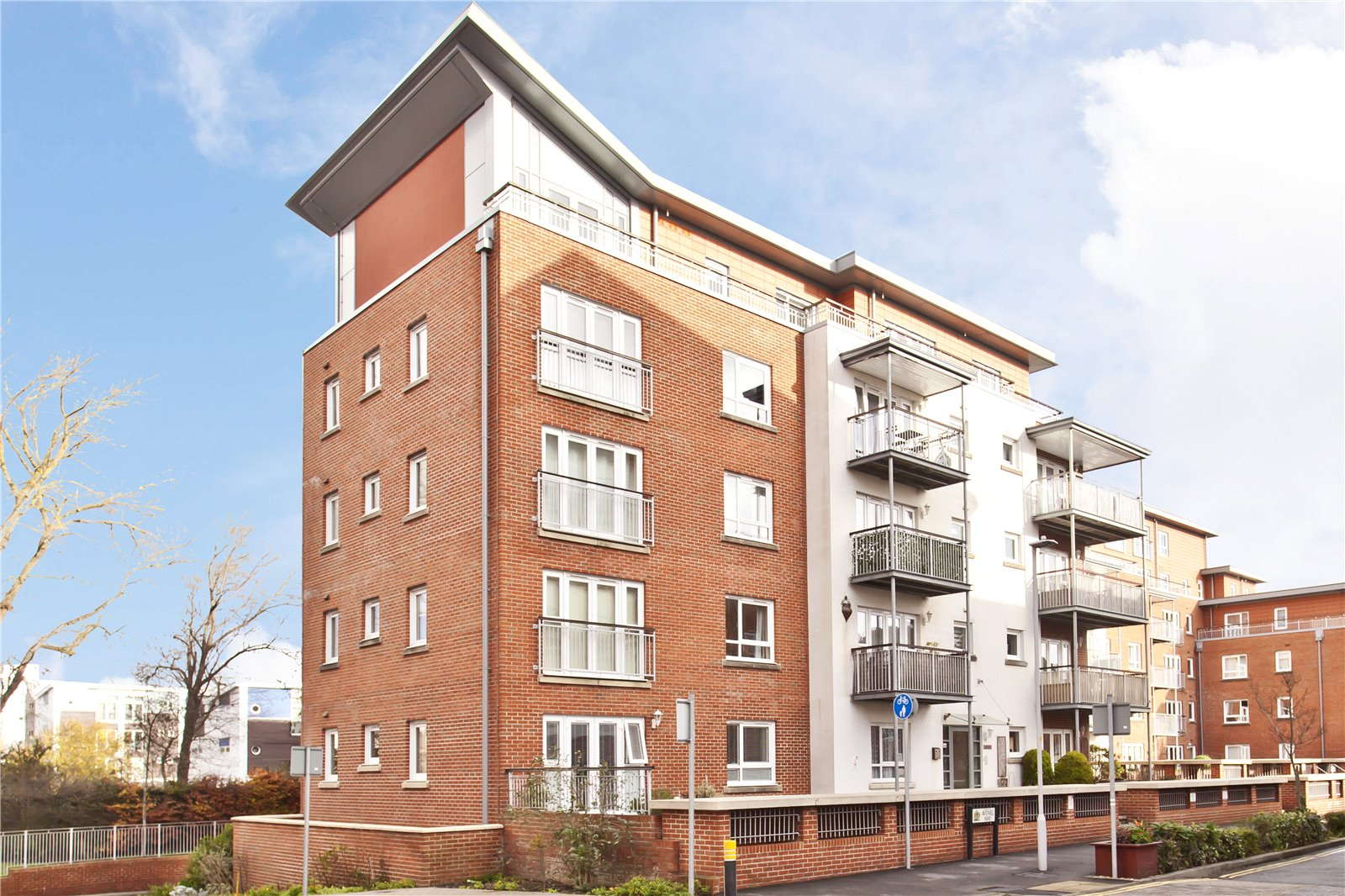 2 bed apartment for sale in Avenel Way, Poole - Property Image 1