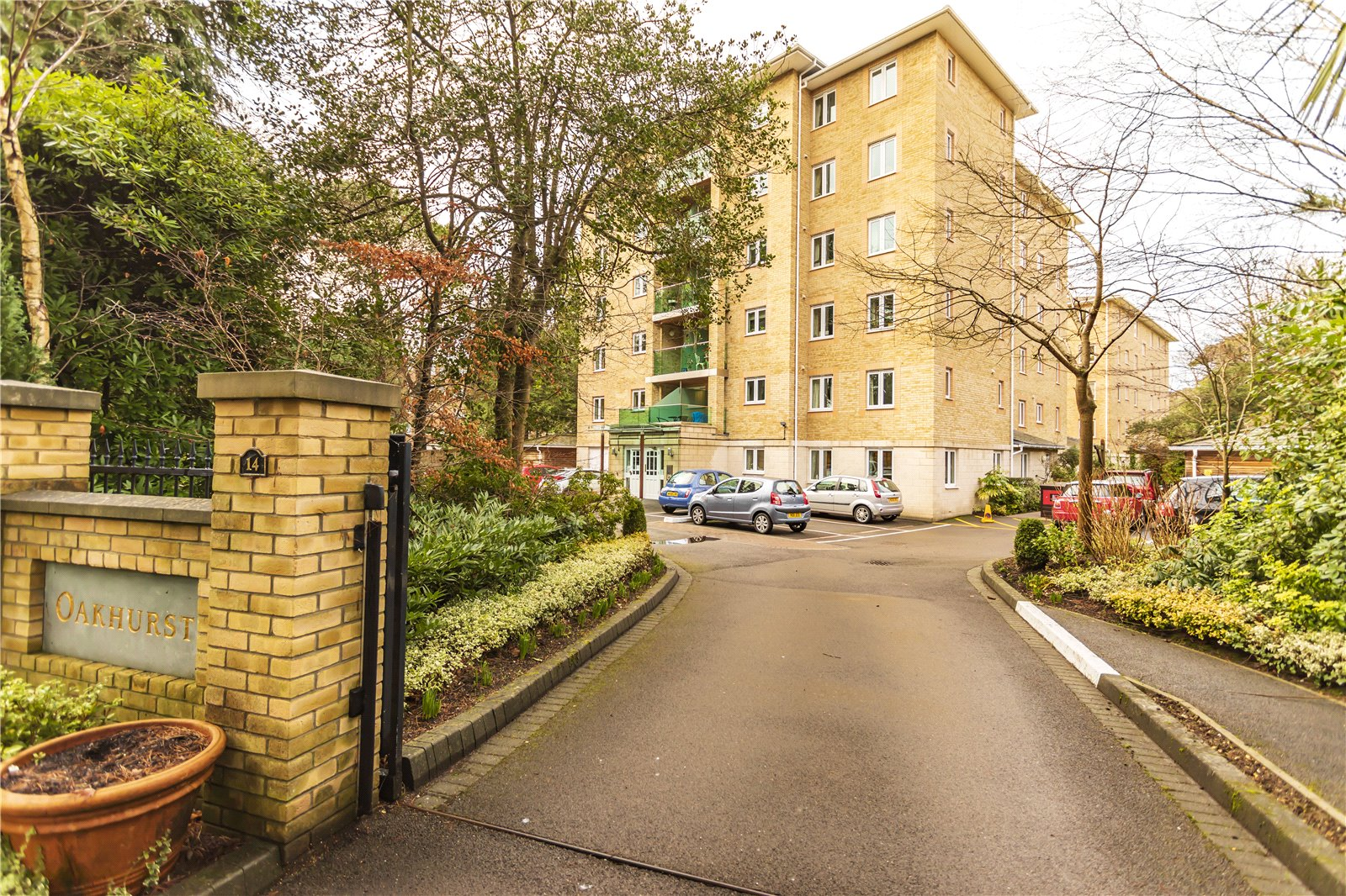 2 bed apartment for sale in The Avenue, Poole, BH13