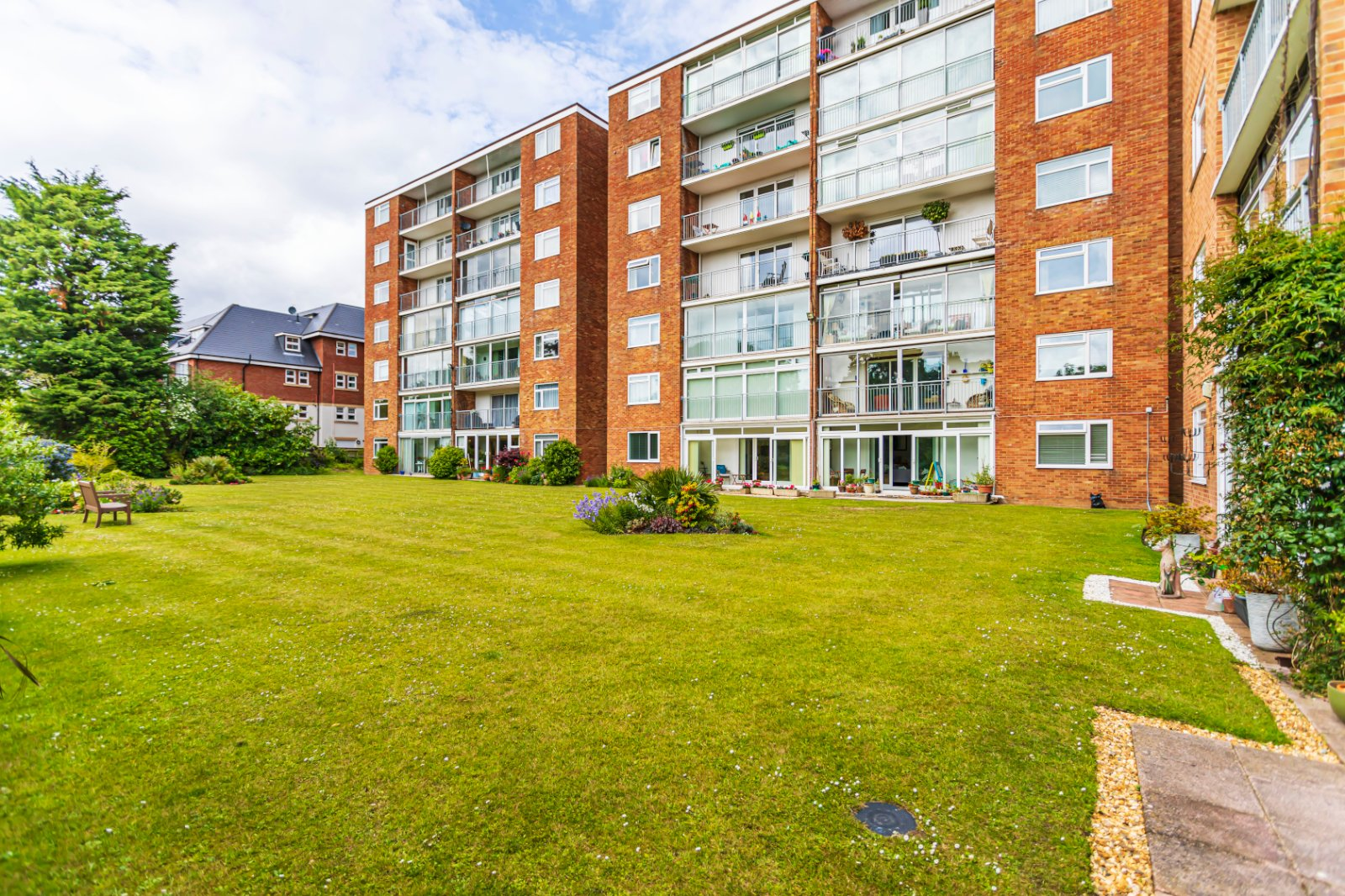3 bed apartment for sale in Cedar Manor, 19-21 Poole Road - Property Image 1
