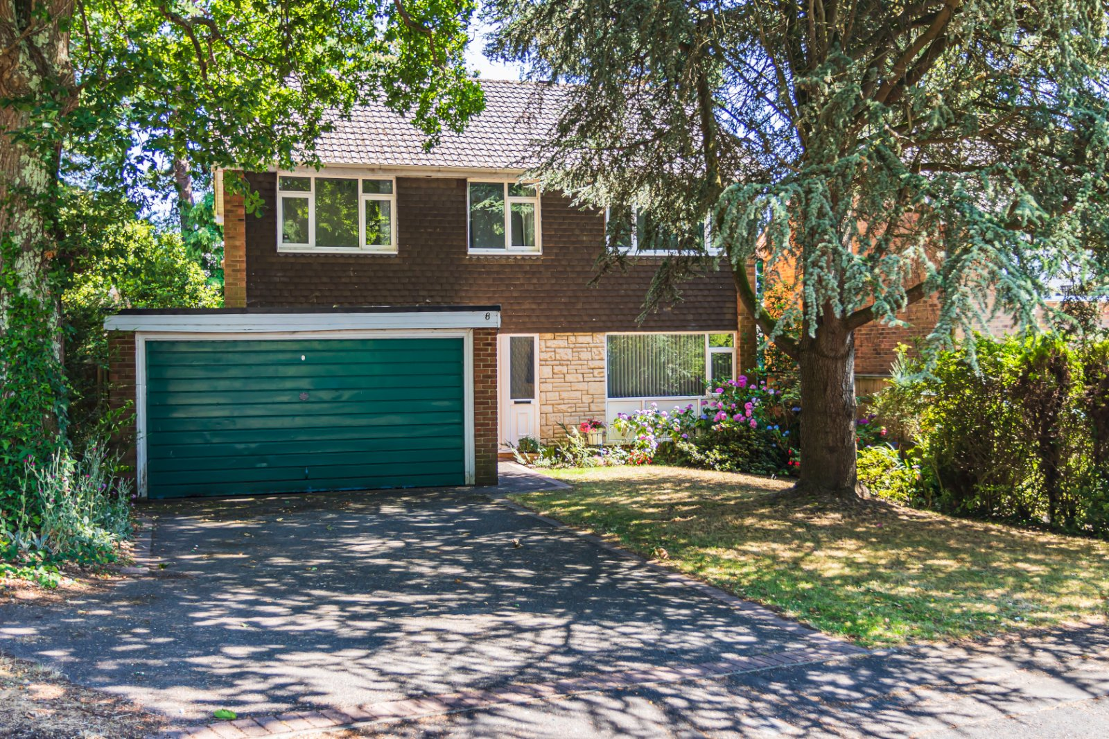4 bed house for sale in Lower Parkstone  - Property Image 2