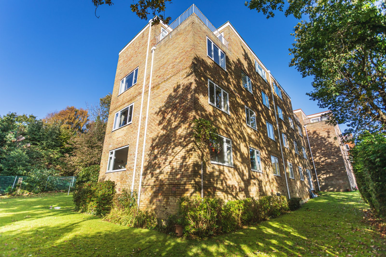 2 bed apartment for sale in Steepdene, Lower Parkstone - Property Image 1