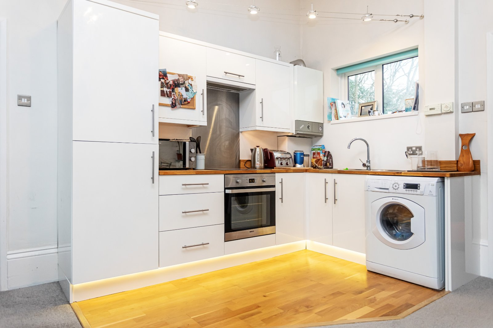 1 bed apartment for sale in Highfield House, Courtenay Road - Property Image 1