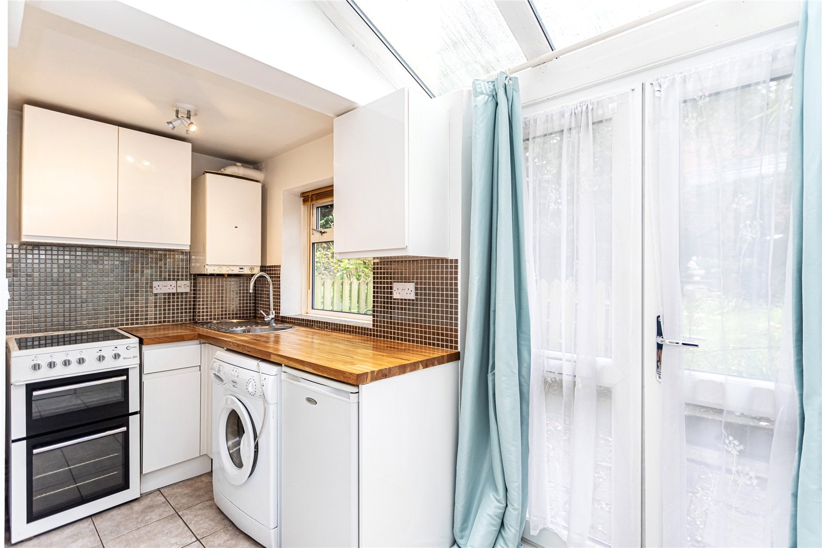 Apartment to rent in Courtenay Road, BH14