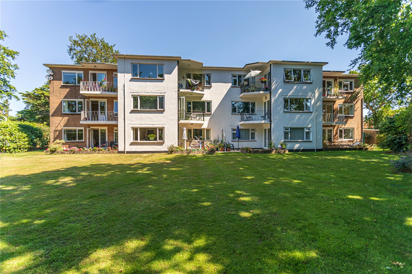 2 bed apartment for sale in Windsor Road, Lower Parkstone - Property Image 1
