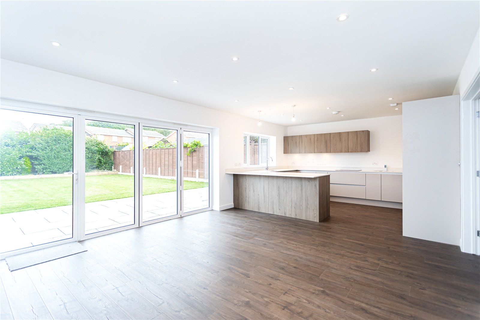 4 bed bungalow for sale in Moor View Road, Oakdale  - Property Image 4