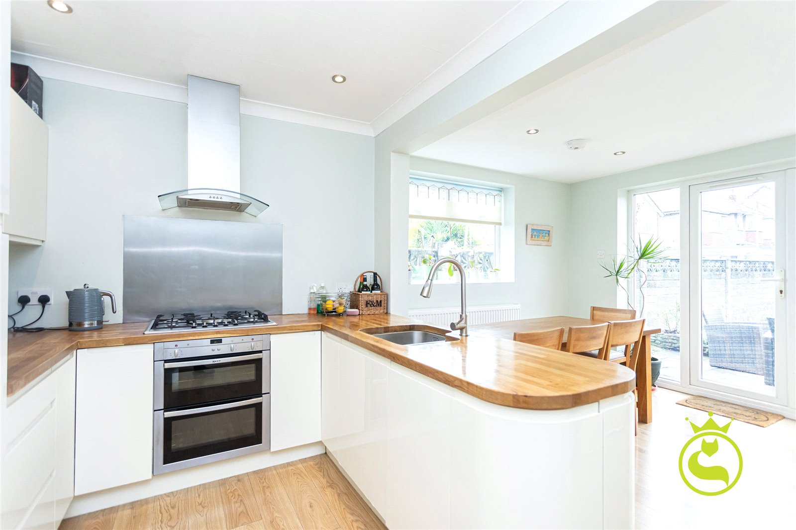 3 bed house for sale in Richmond Road, Lower Parkstone  - Property Image 1