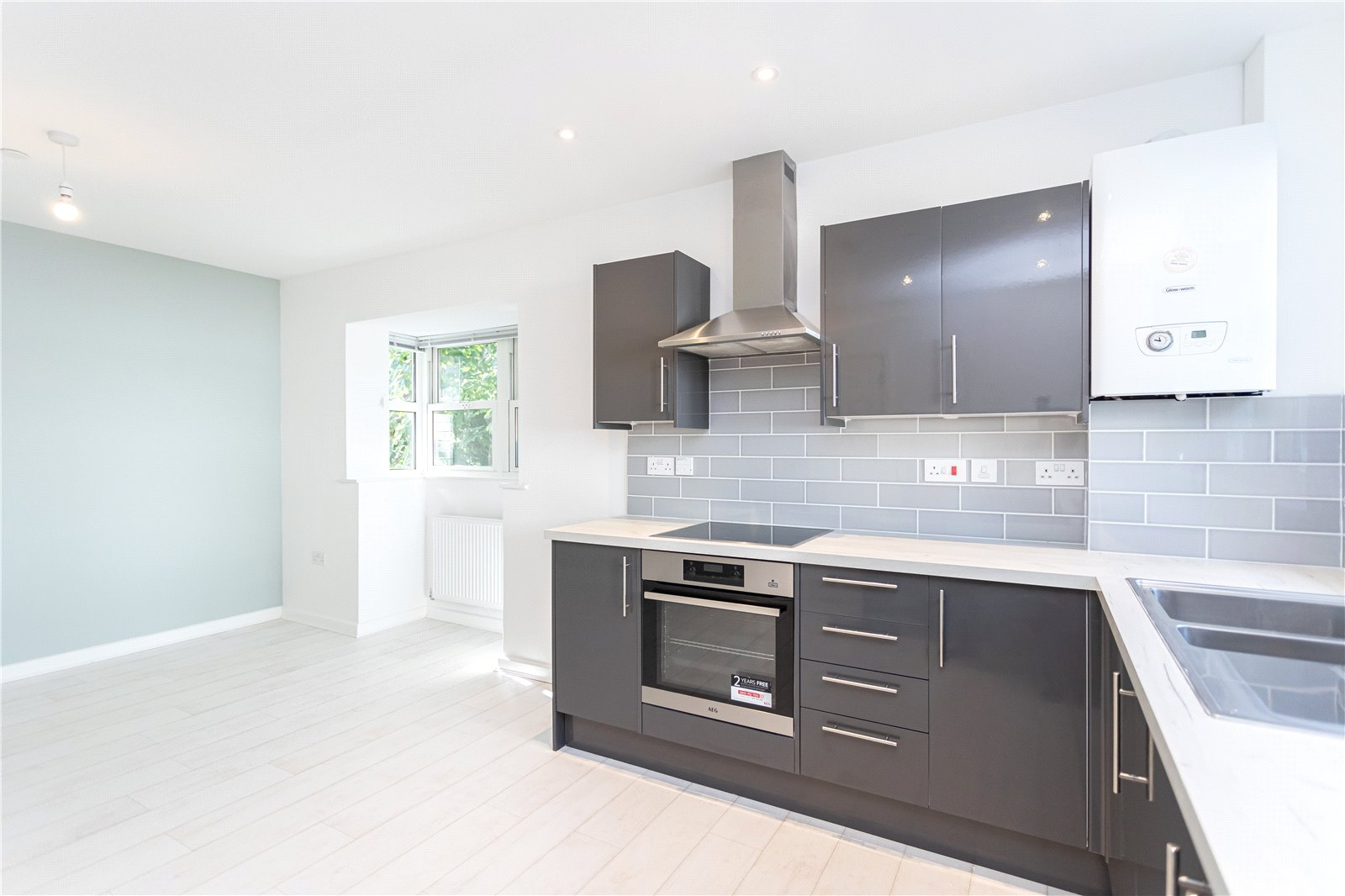 2 bed apartment for sale in Commercial Road, Ashley Cross  - Property Image 5