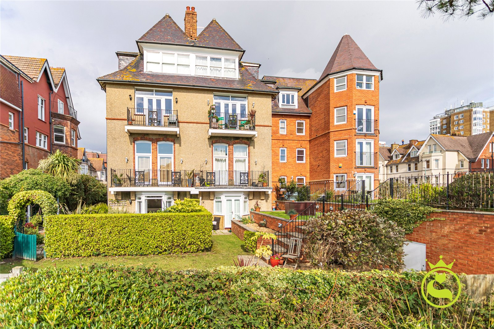 2 bed apartment for sale in West Cliff Gardens, Bournemouth  - Property Image 1