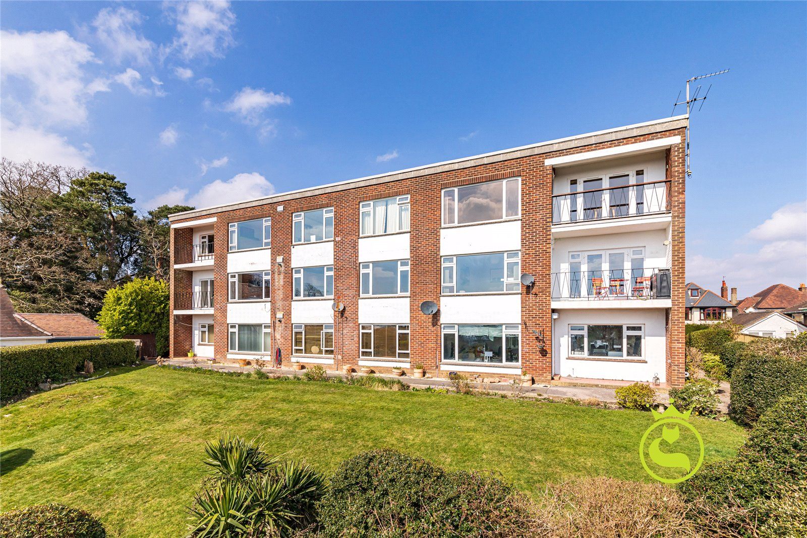 2 bed apartment to rent in Highland Road, Poole, BH14