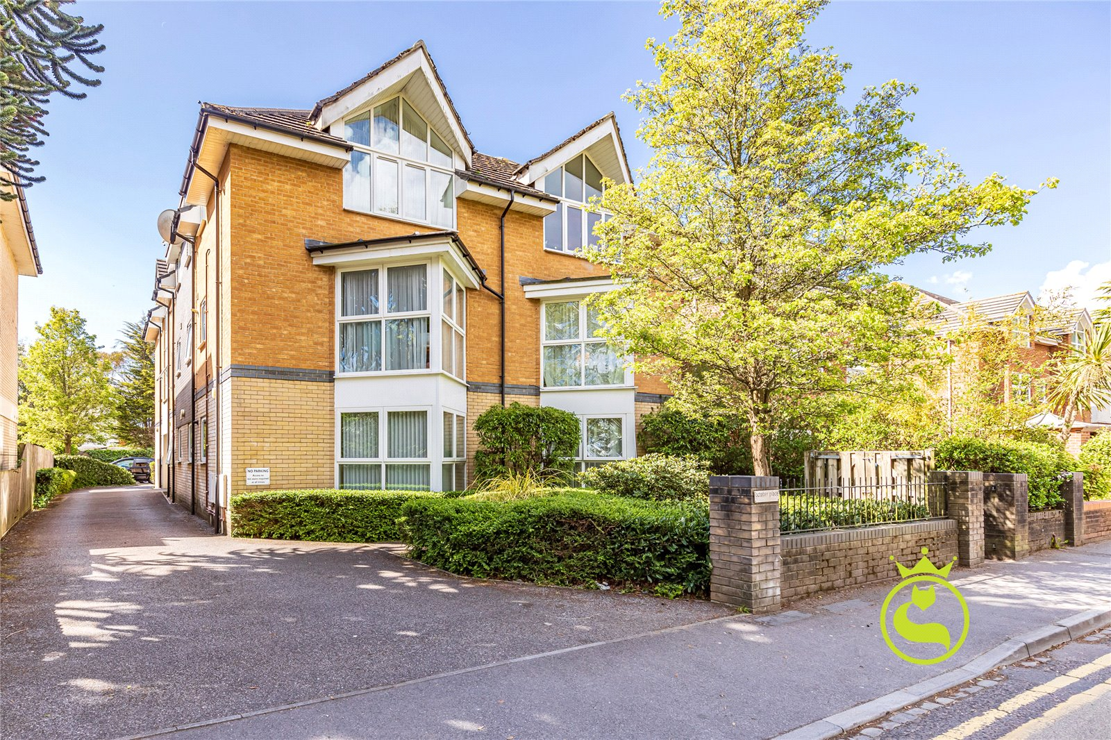 2 bed apartment for sale in Richmond Park Road, Bournemouth - Property Image 1