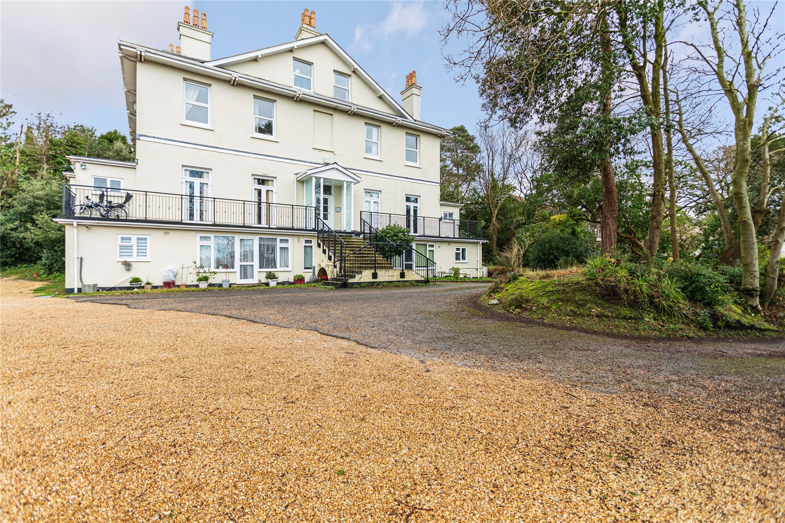 2 bed apartment for sale in Courtenay Road, Lower Parkstone  - Property Image 1