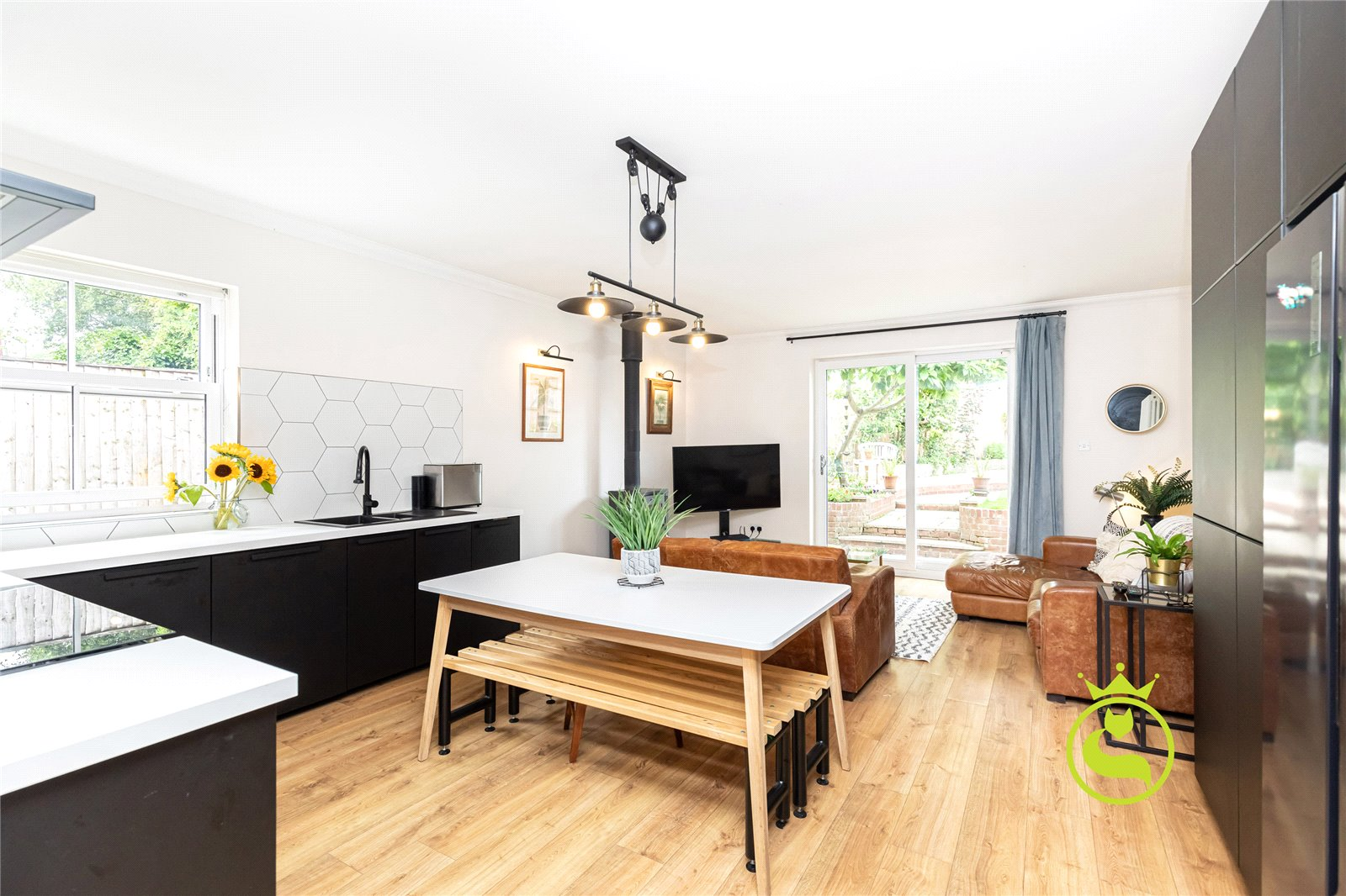 4 bed for sale in Commercial Road, Lower Parkstone  - Property Image 1
