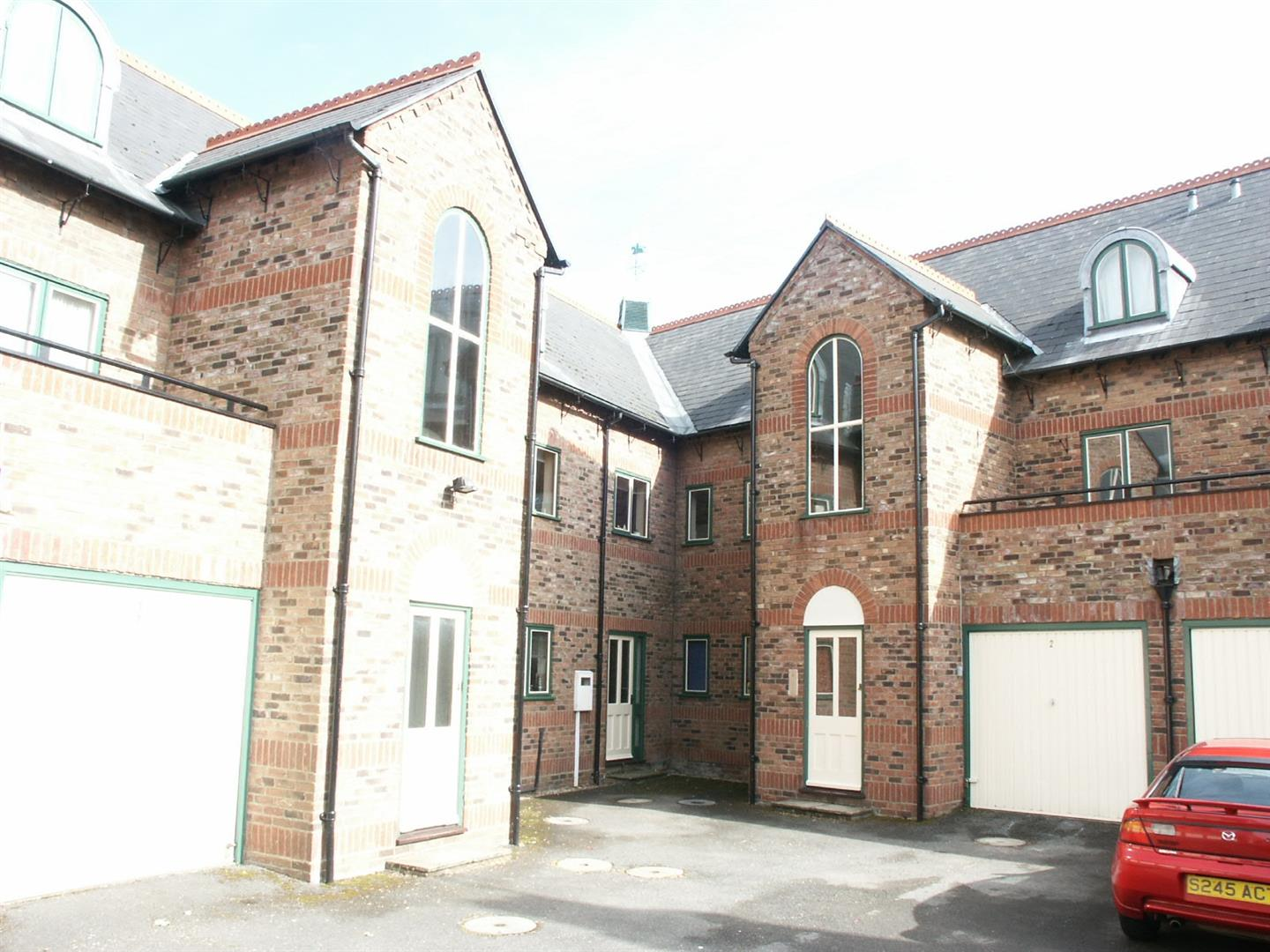 2 bed flat to rent in Spalding, PE12 9RL 0