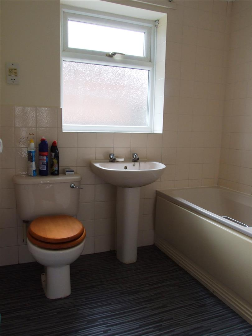 2 bed detached bungalow to rent in Dick Turpin Way, Long Sutton Spalding 6