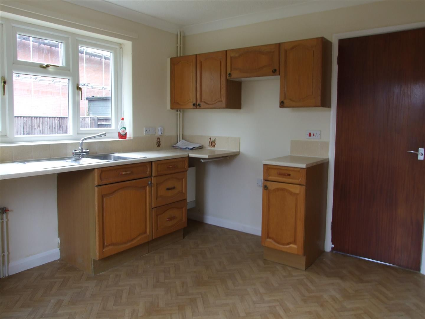 2 bed detached bungalow to rent in Long Sutton Spalding, PE12 9EP  - Property Image 4