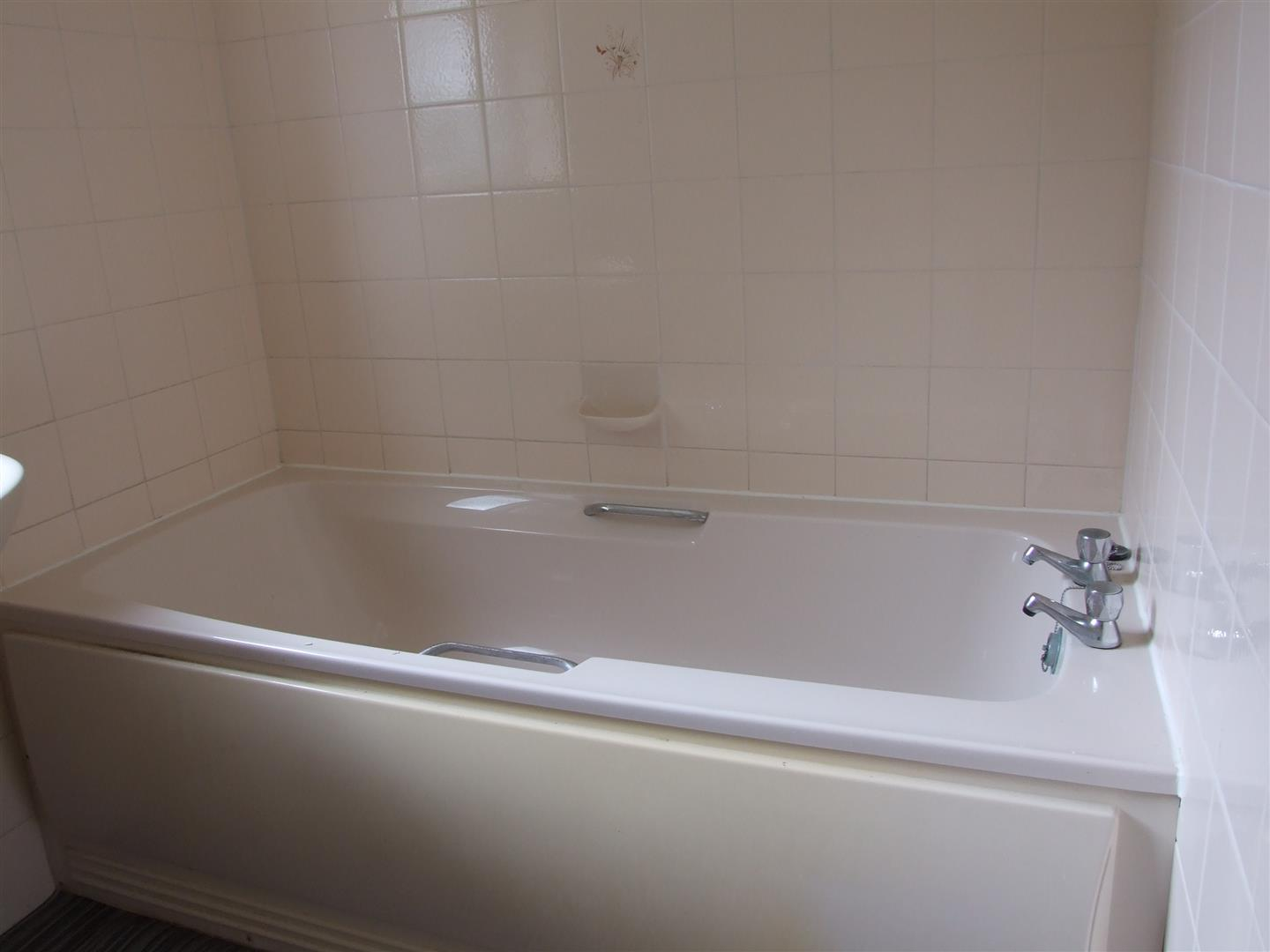 2 bed detached bungalow to rent in Dick Turpin Way, Long Sutton Spalding 7
