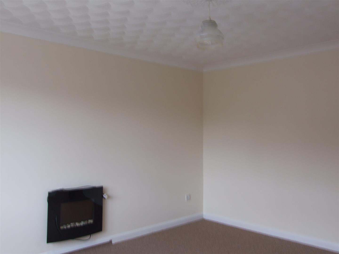 2 bed detached bungalow to rent in Dick Turpin Way, Long Sutton Spalding 1