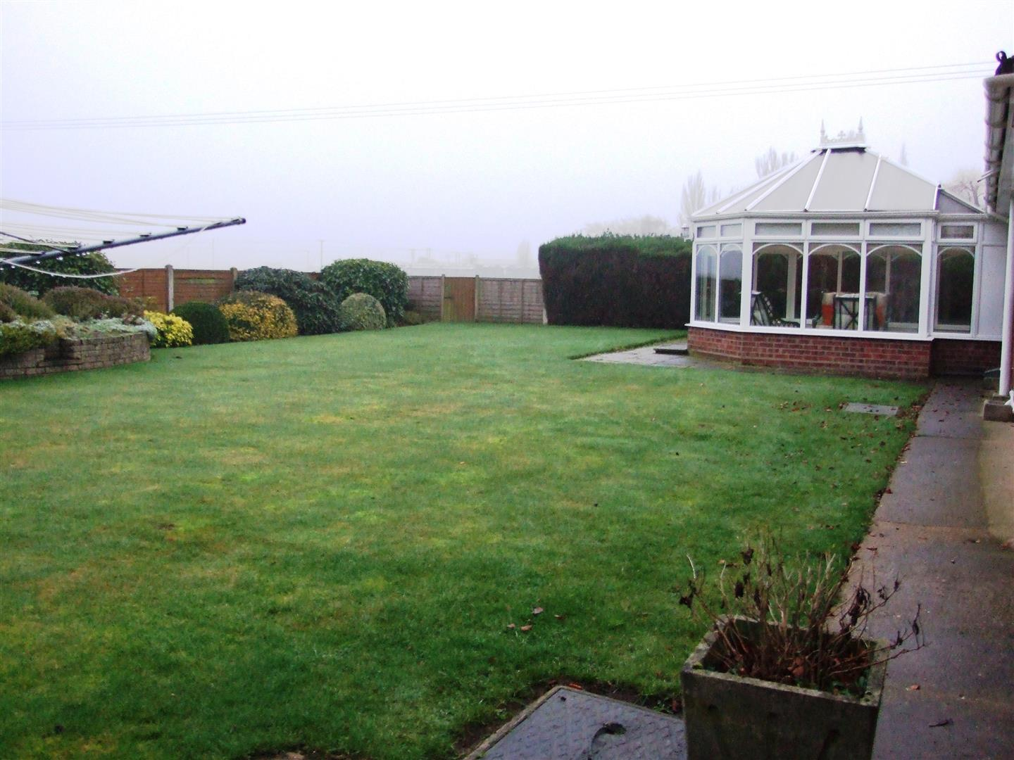 2 bed detached bungalow to rent in Long Sutton Spalding, PE12 9BS  - Property Image 15