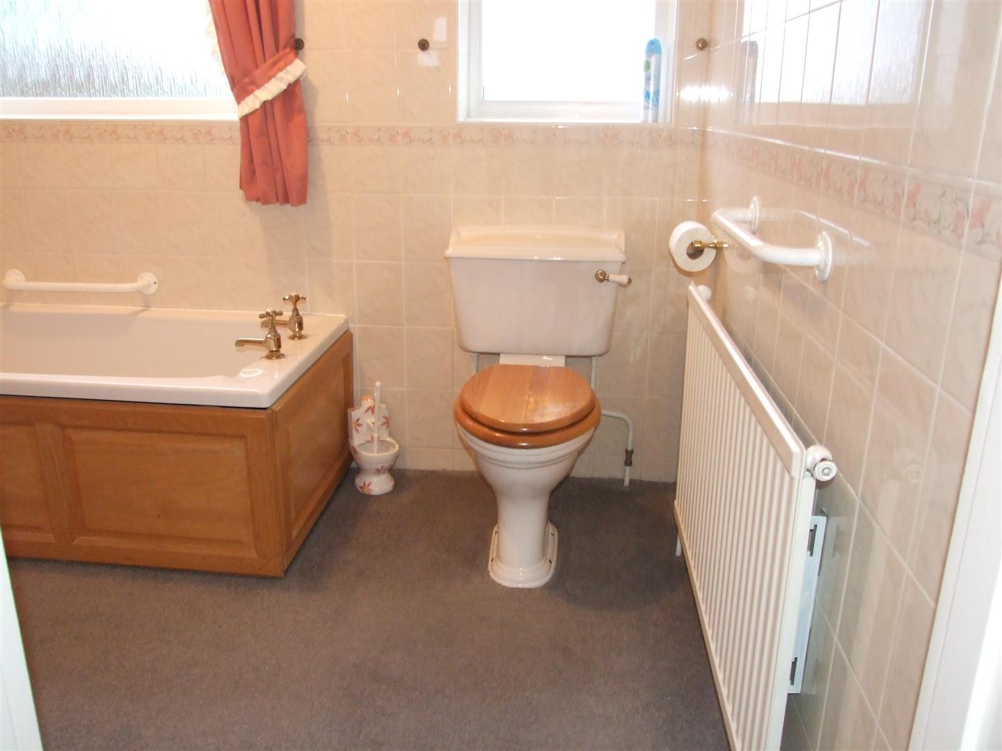2 bed detached bungalow to rent in Long Sutton Spalding, PE12 9BS  - Property Image 7