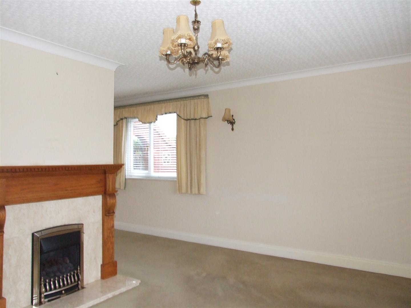 2 bed detached bungalow to rent in Long Sutton Spalding, PE12 9BS  - Property Image 3