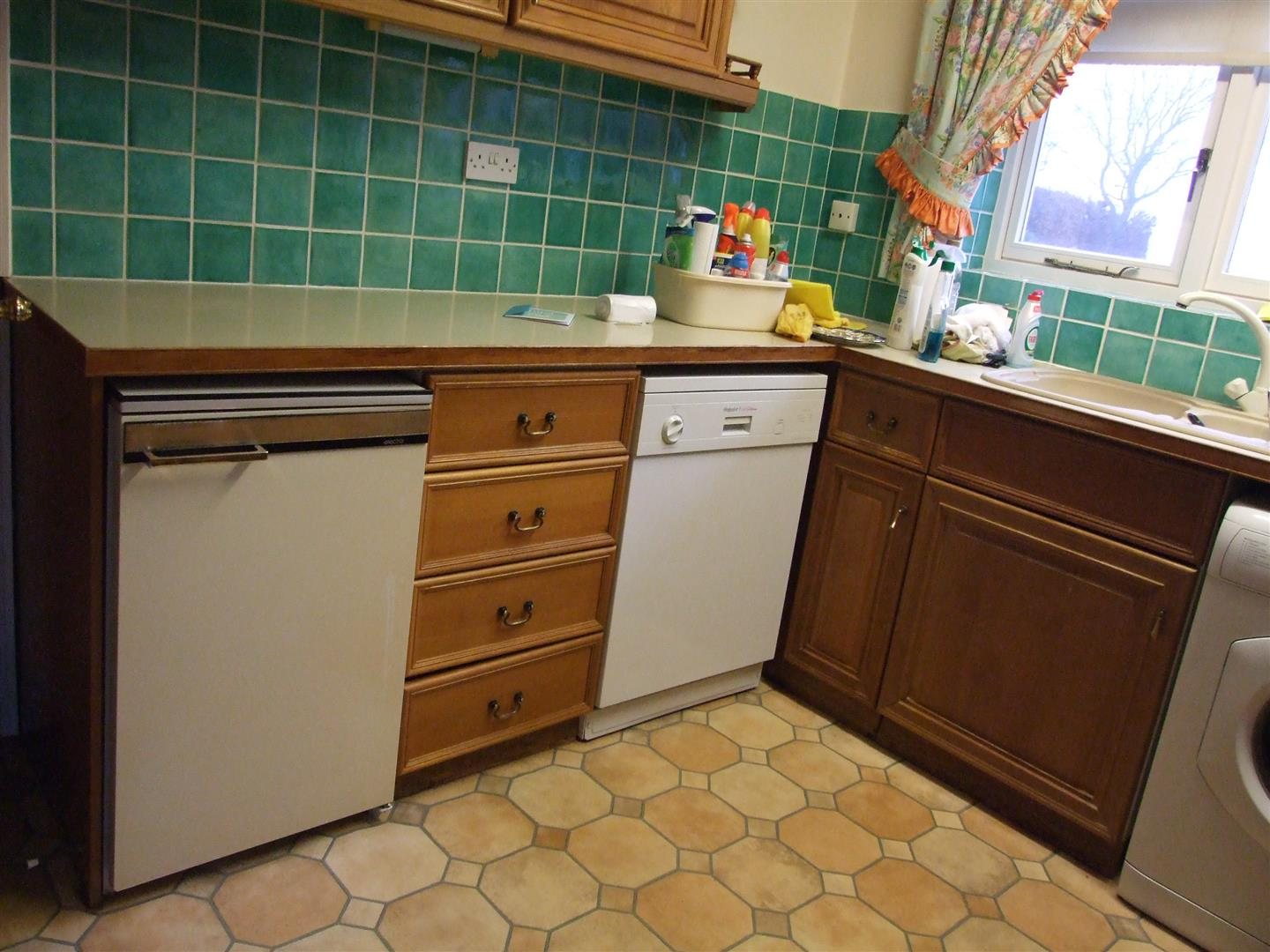 2 bed detached bungalow to rent in Long Sutton Spalding, PE12 9BS  - Property Image 5