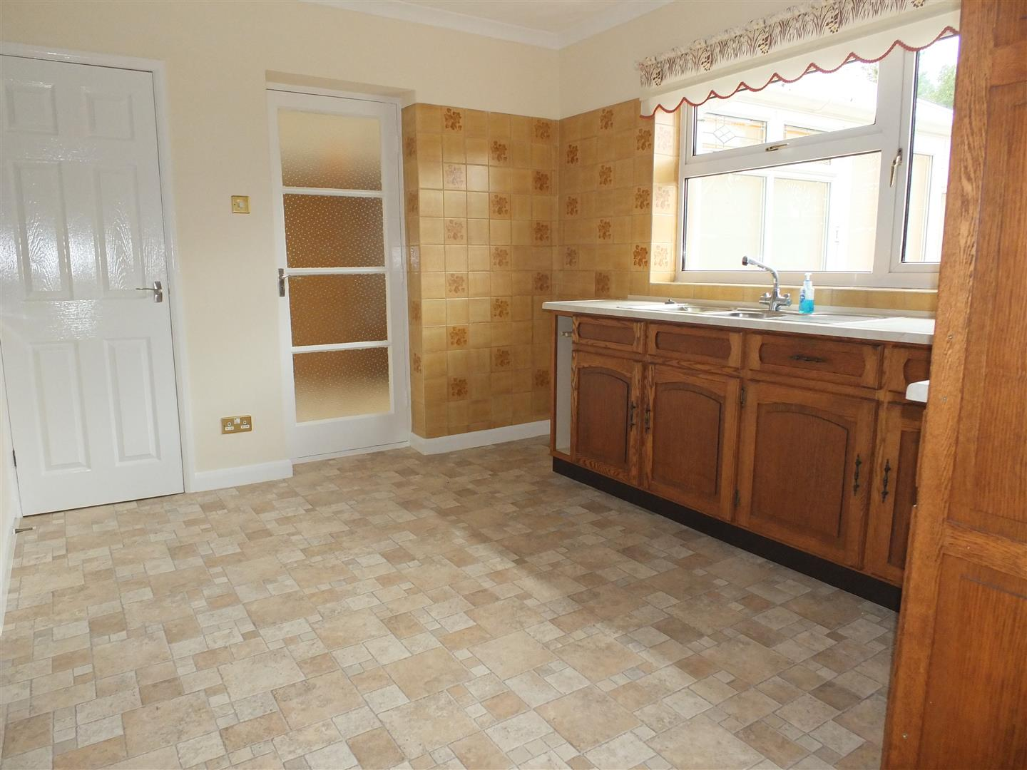 2 bed detached bungalow to rent in Sturton Way, Long Sutton Spalding 4