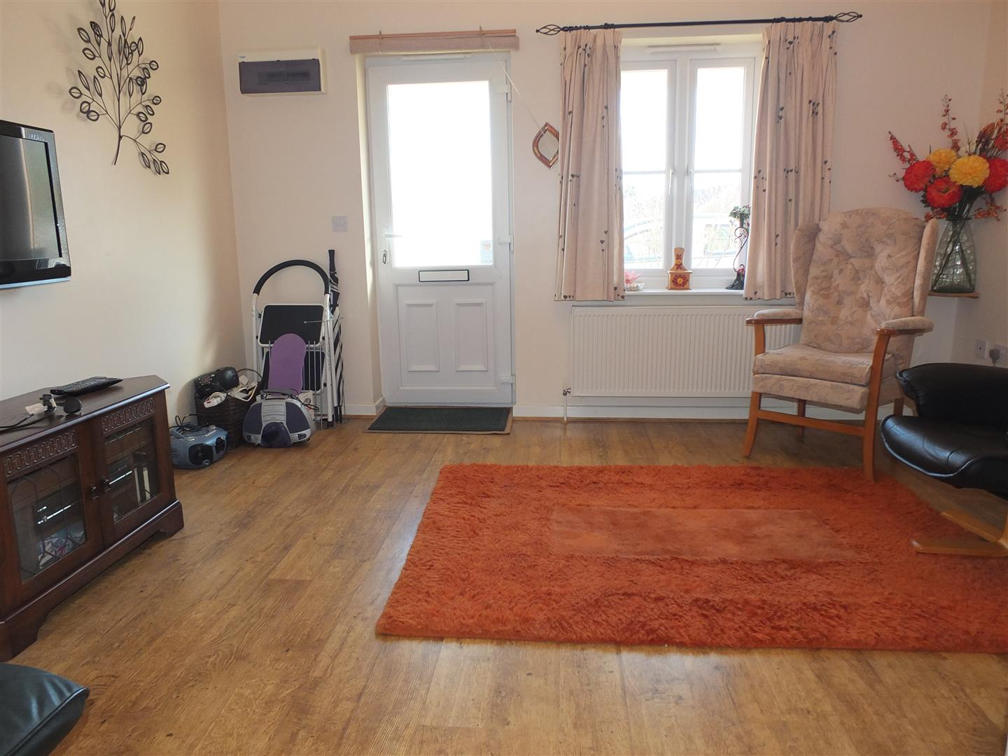 2 bed terraced house to rent in Long Sutton Spalding, PE12 9BF 1