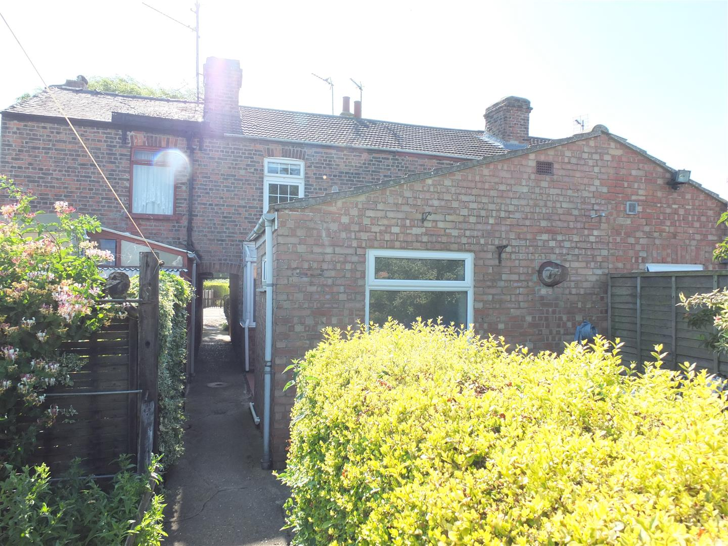 2 bed terraced house to rent in Sutton Bridge Spalding, PE12 9SX  - Property Image 9
