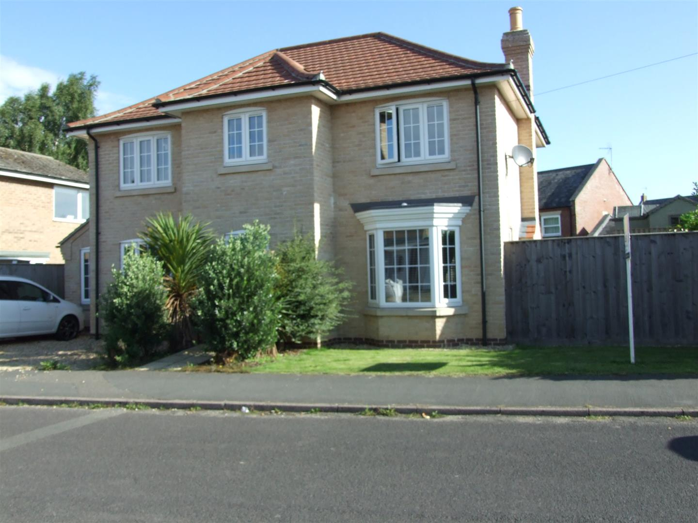 4 bed house to rent in Lancaster Drive, Long Sutton  - Property Image 1