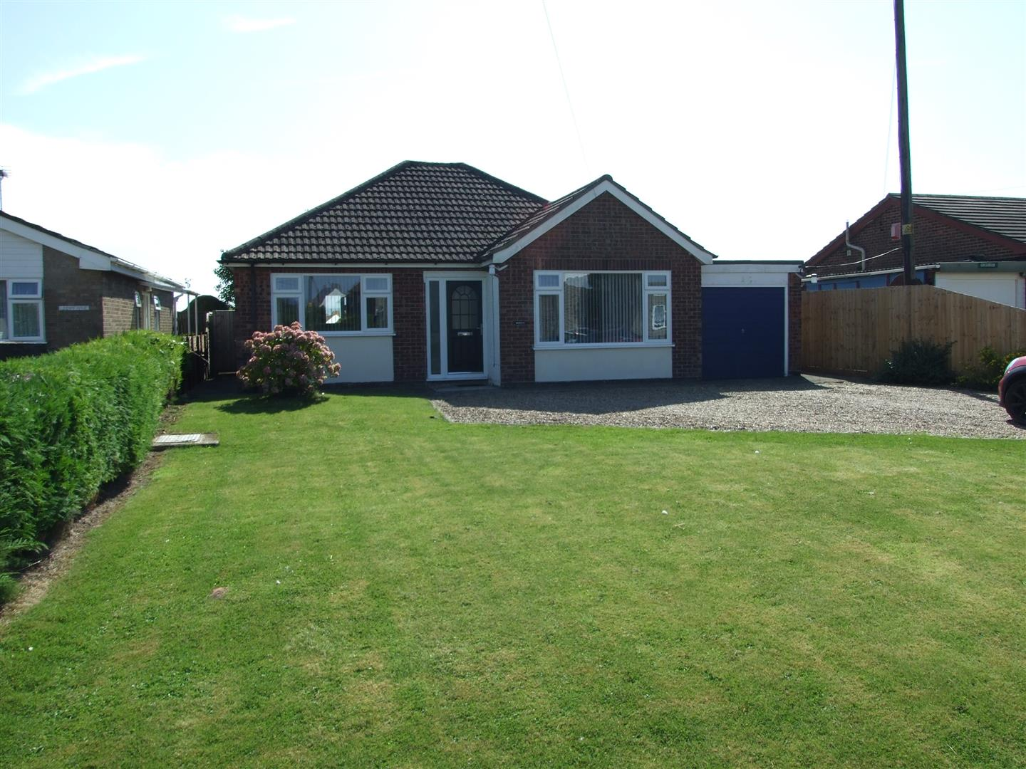 2 bed bungalow to rent in Gedney Spalding, PE12 0BZ  - Property Image 1