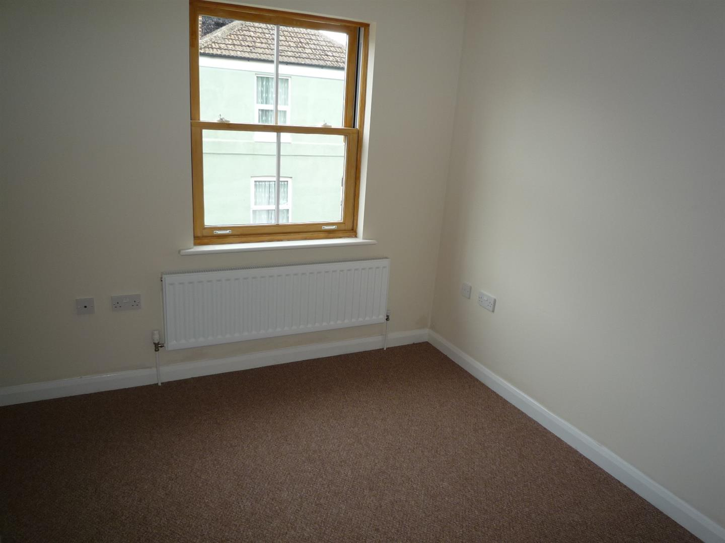 3 bed house to rent in Holbeach Spalding, PE12 7DR 4