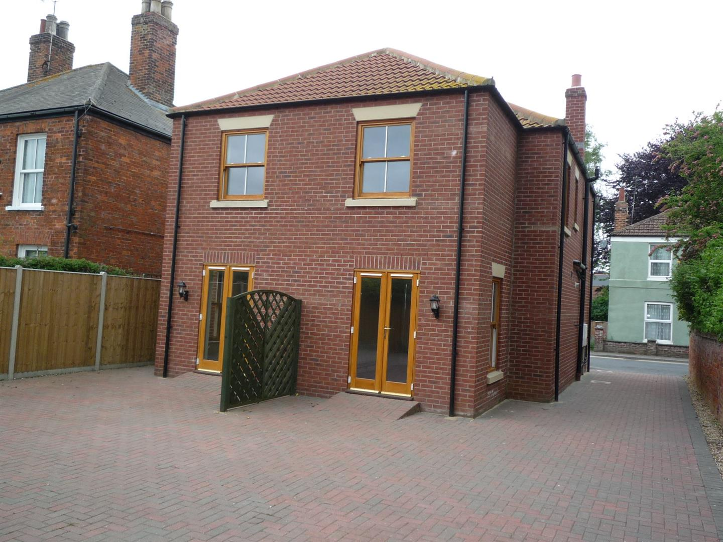 3 bed house to rent in Holbeach Spalding, PE12 7DR 1