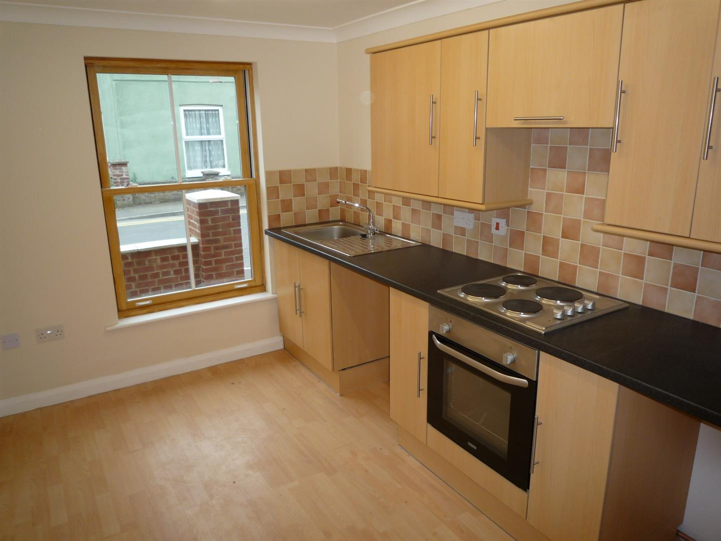 3 bed house to rent in Holbeach Spalding, PE12 7DR 3