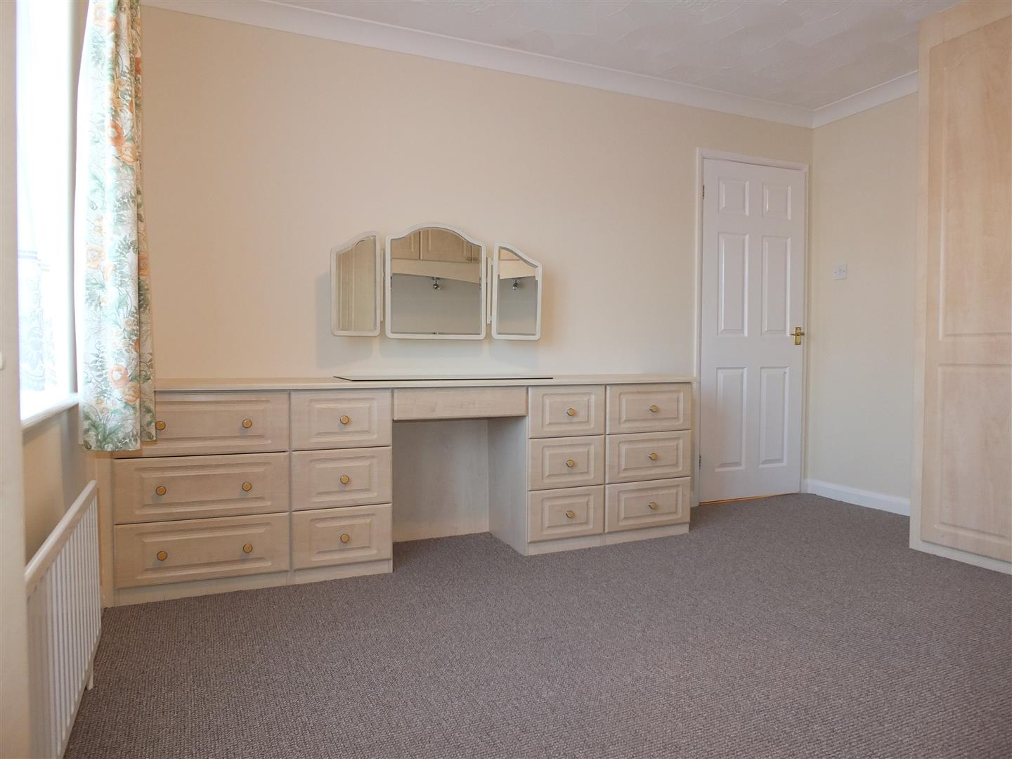 3 bed detached bungalow to rent in Spalding, PE12 9FA 4