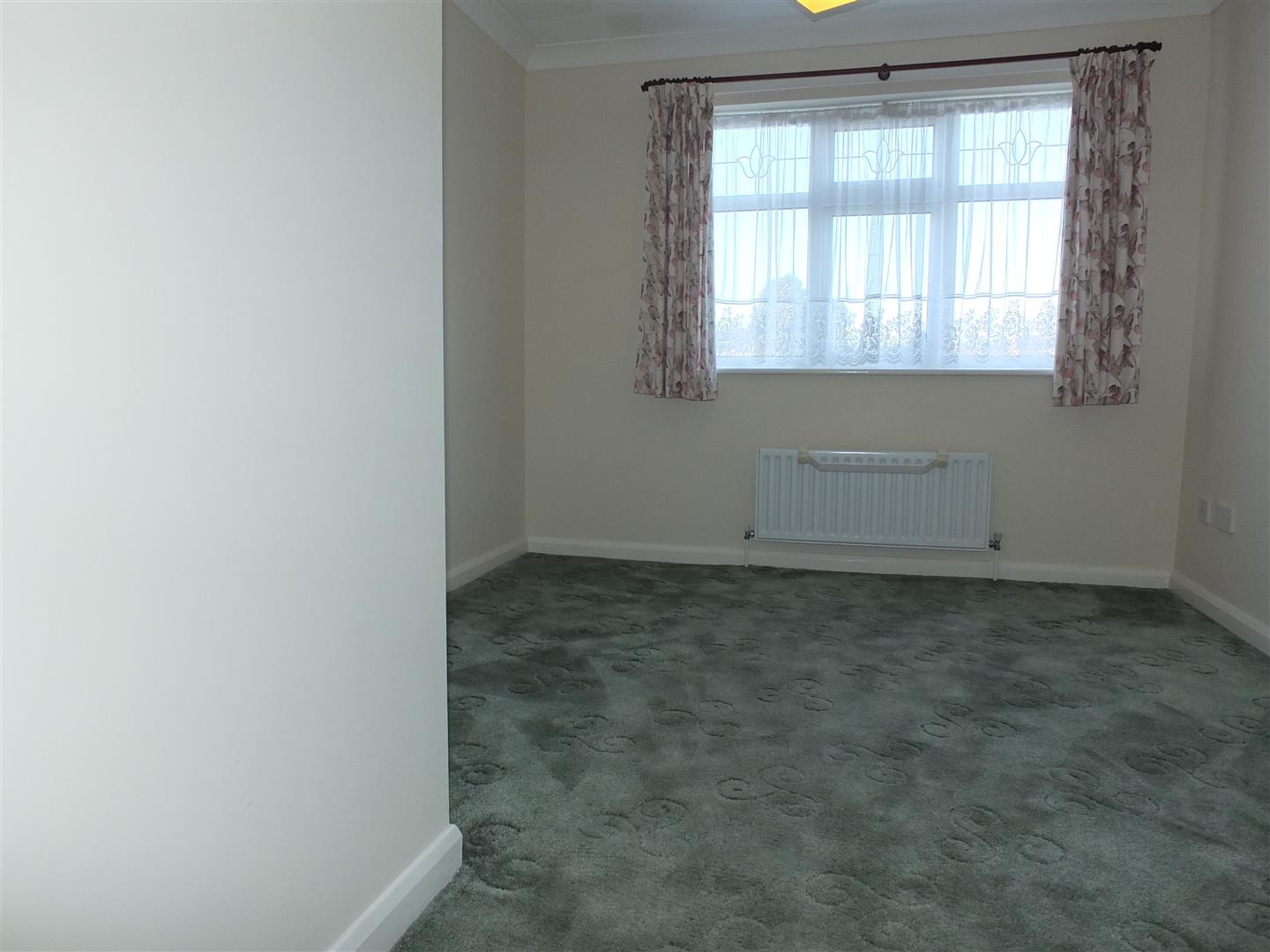 3 bed detached bungalow to rent in Spalding, PE12 9FA 6