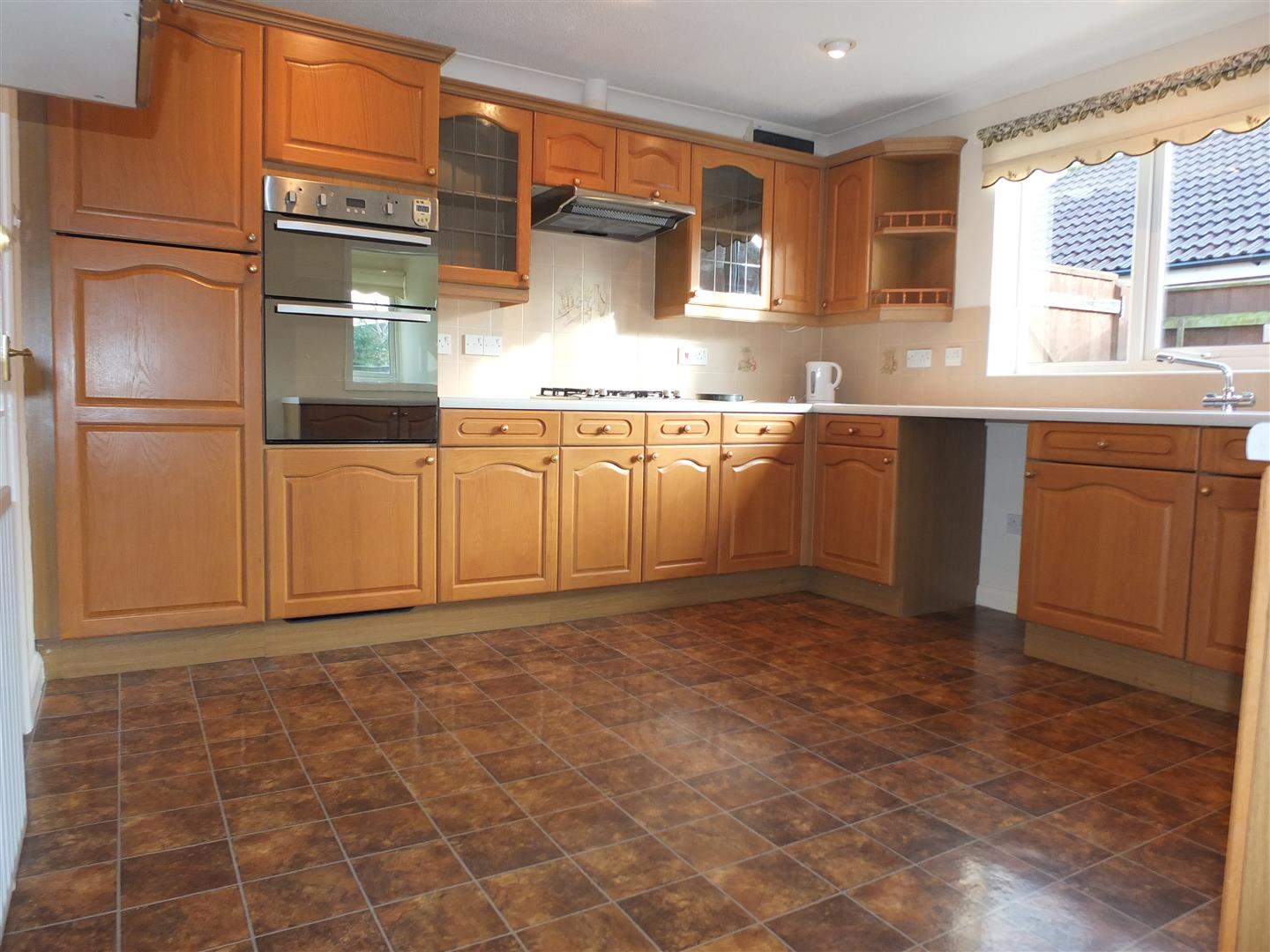 3 bed detached bungalow to rent in Spalding, PE12 9FA 1
