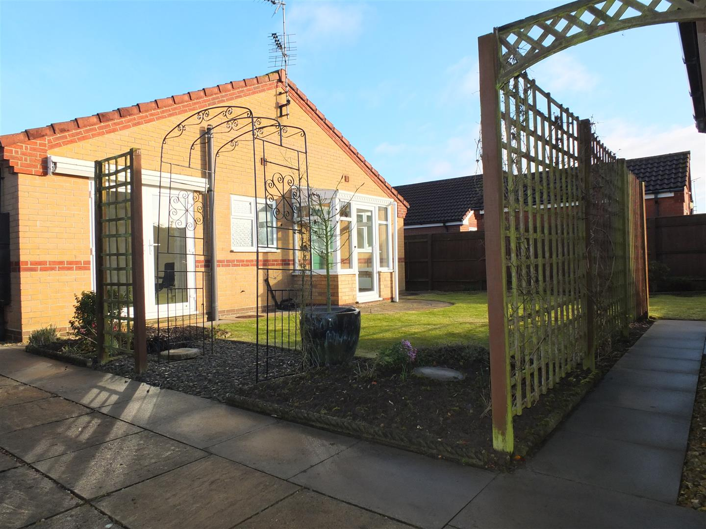 3 bed detached bungalow to rent in Spalding, PE12 9FA 10