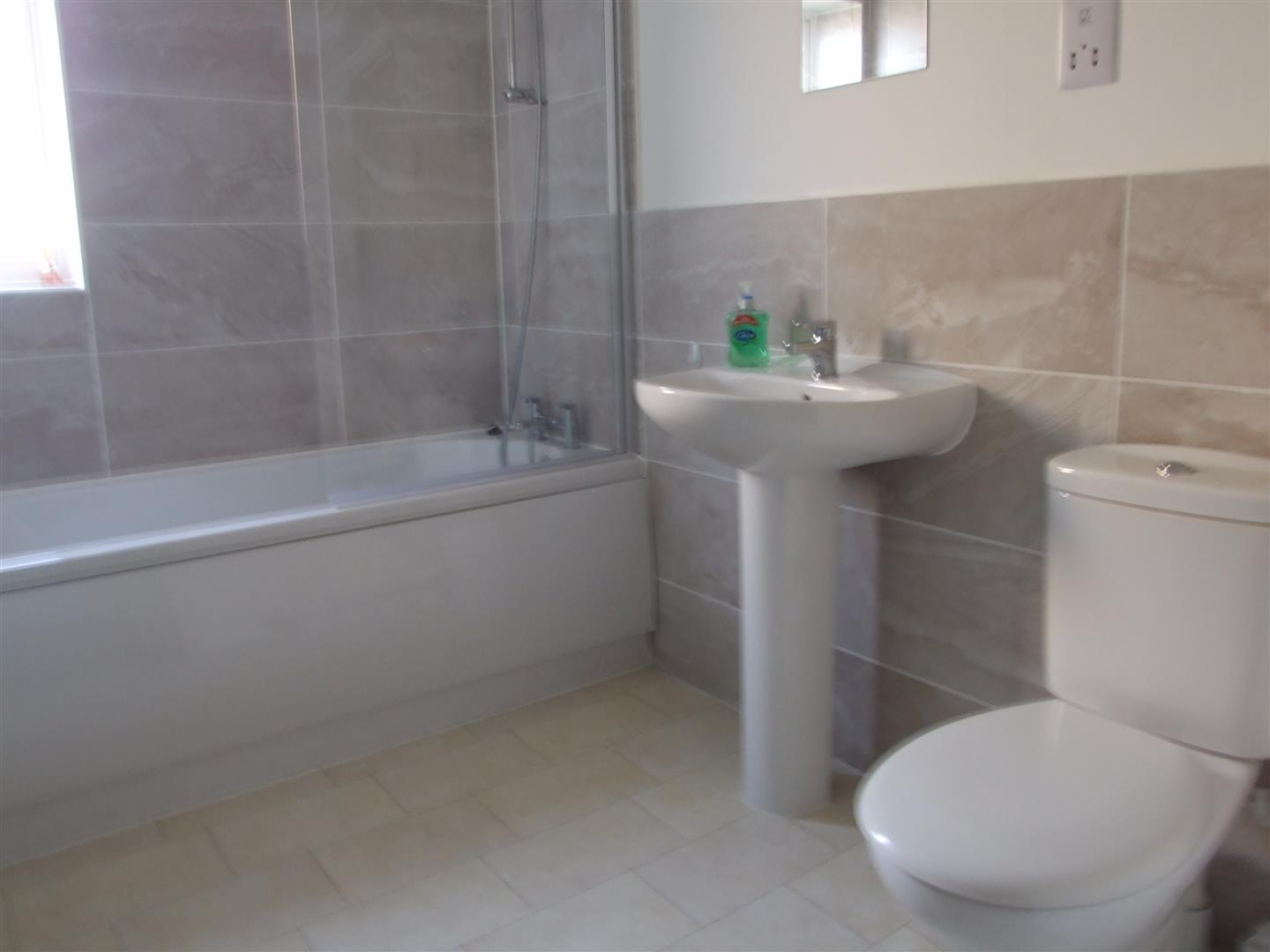 3 bed house to rent in Long Sutton, PE12 9GZ 3