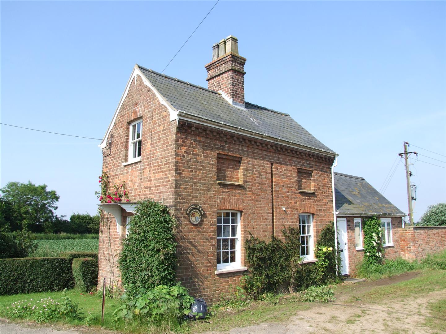 2 bed cottage to rent in The Gatehouse, Charters Lane, Long Sutton Spalding  - Property Image 1
