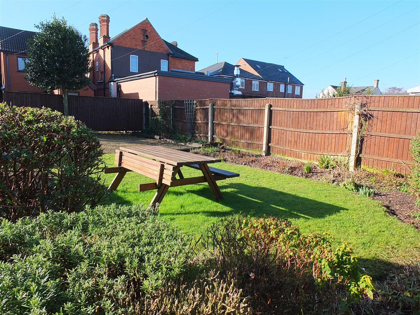 2 bed detached house to rent in Bridge Road, Sutton Bridge Spalding 8