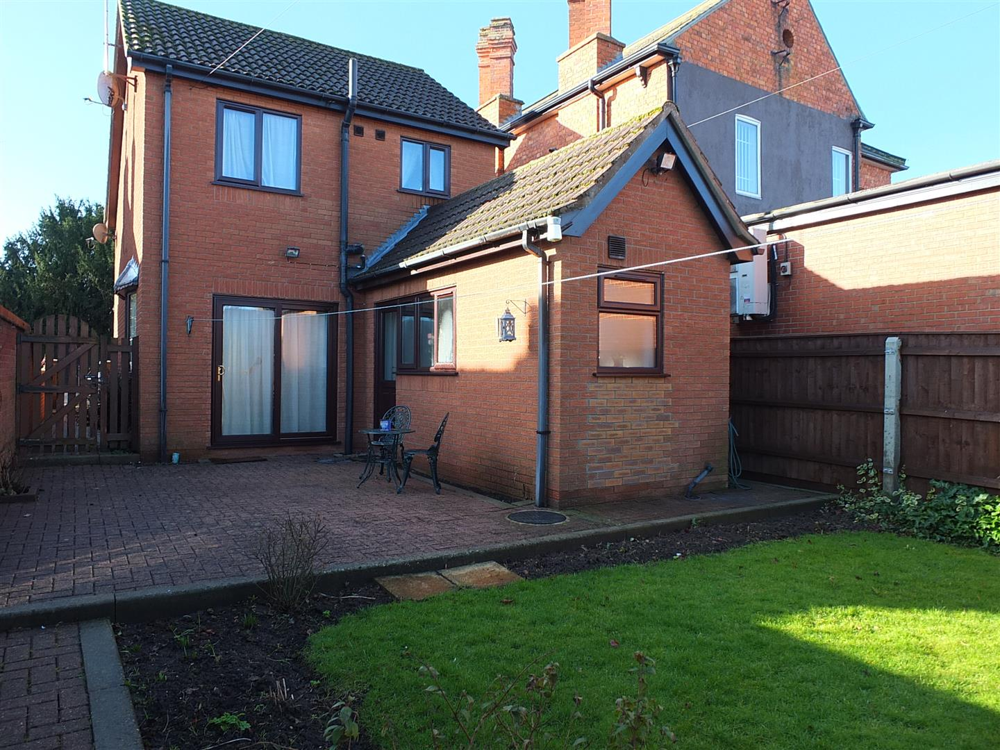 2 bed detached house to rent in Bridge Road, Sutton Bridge Spalding 7