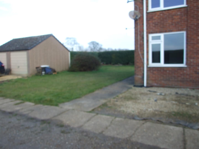 3 bed house to rent in Kamarad Farm Cottage, Sutton Bridge 4