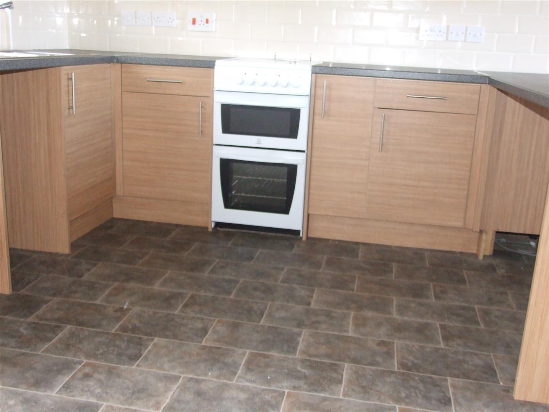 3 bed house to rent in Kamarad Farm Cottage, Sutton Bridge 1
