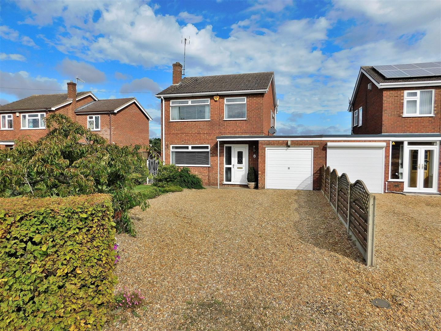 3 bed link detached house for sale in Northgate Way, King's Lynn - Property Image 1