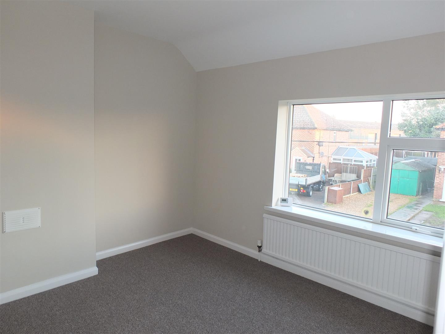 3 bed semi-detached house to rent in Long Sutton Spalding, PE12 9BT 4