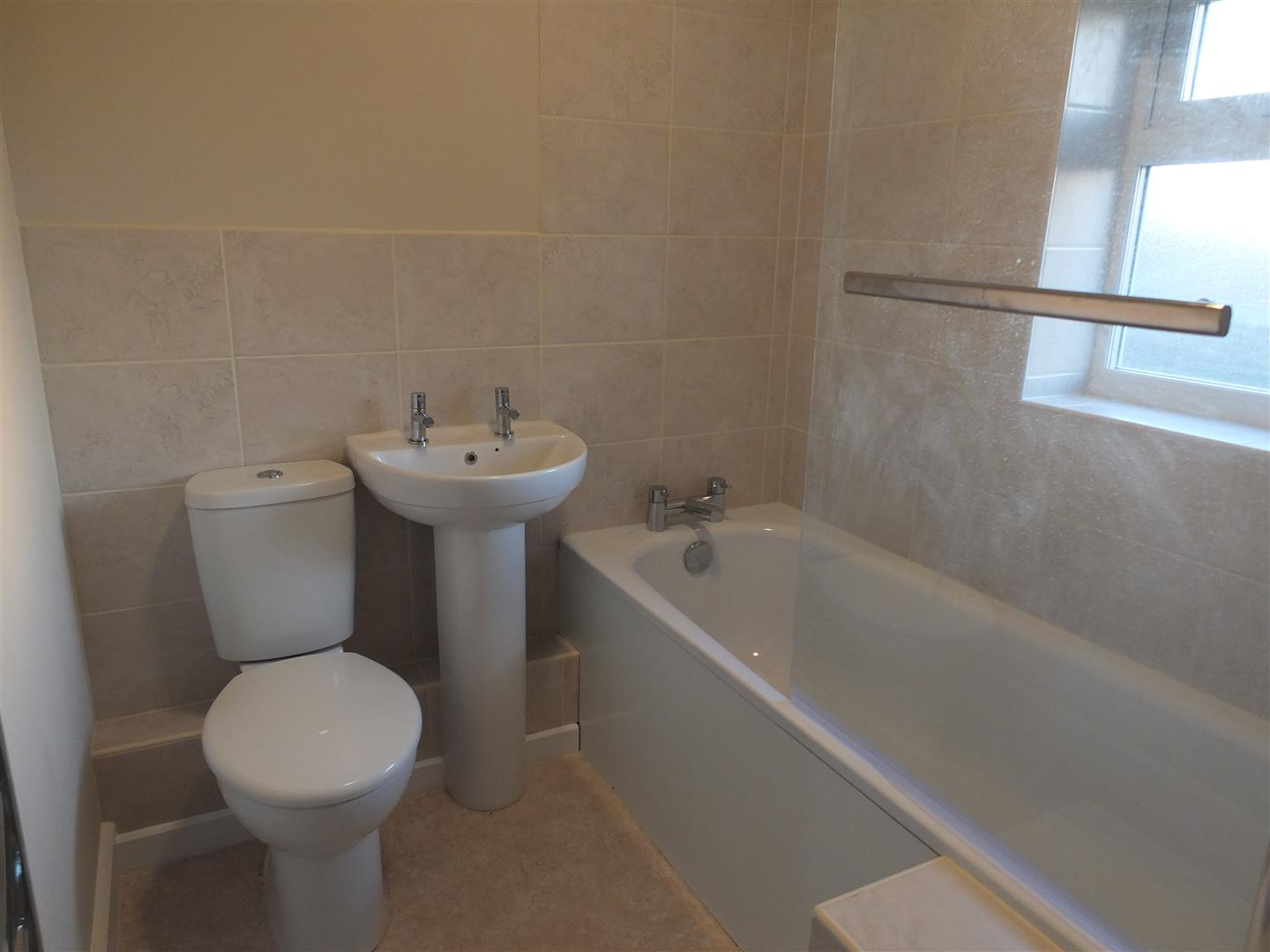 3 bed semi-detached house to rent in Long Sutton Spalding, PE12 9BT 5