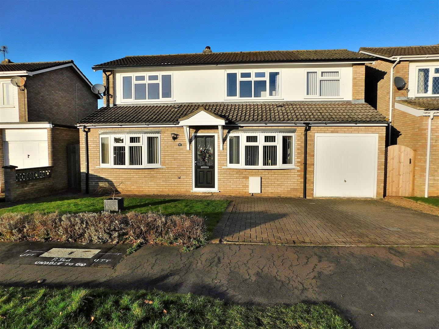 4 bed detached house for sale in King's Lynn, PE31 6NZ - Property Image 1