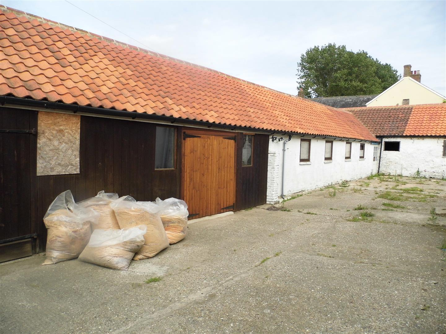 Commercial property to rent in King's Lynn, PE33 0SH, PE33