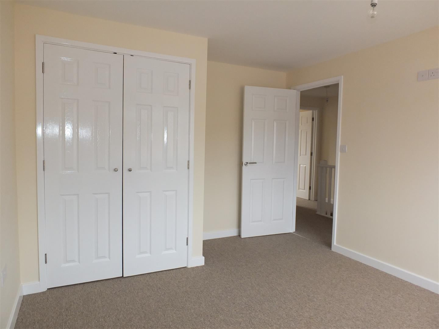 3 bed house to rent in Little London, Long Sutton 2