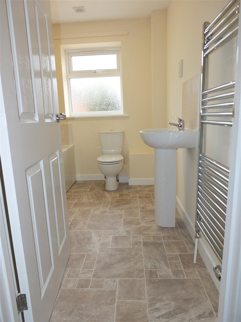 3 bed house to rent in Little London, Long Sutton 1
